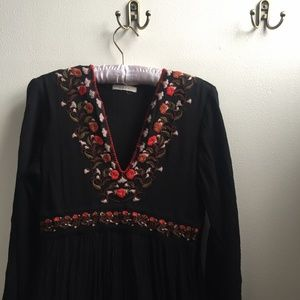 DÔEN Embroidered Midi Dress